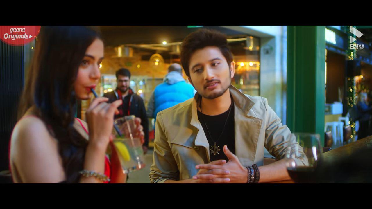 Aise Na Mujhe Tum Dekho hindi song Lyrics –Ishaan Khan