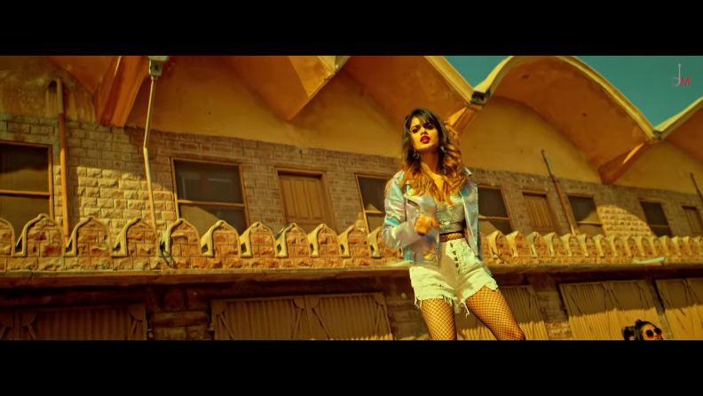 Banglow punjabi song Lyrics–Avvy Sra feat Afsana Khan