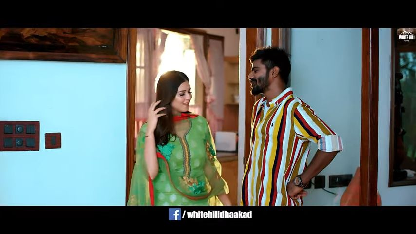 Green Suit Haryanvi song Lyrics–Raj Mawar